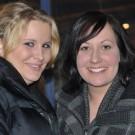 Emma Cassberg till höger tog med sin väninna.